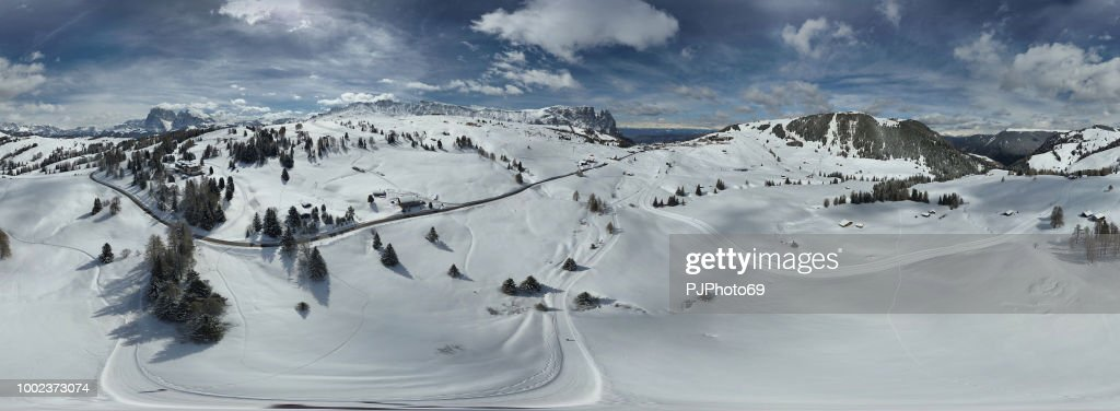 Panoramic view of Sciliar mountains and Seiser Alm - Dolomites - Italy : Foto stock