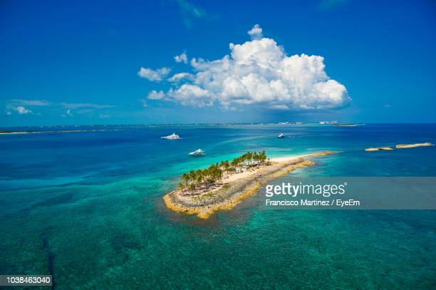 panoramic view of sea against sky - nassau stock photos and pictures