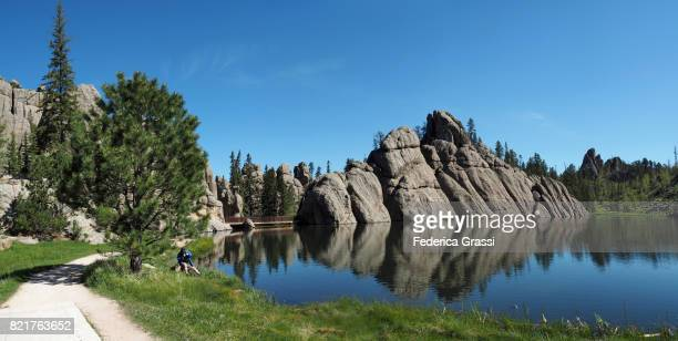 panoramic view of sylvan lake, custer state park, south dakota - black hills - fotografias e filmes do acervo