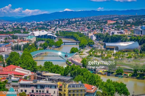 panoramic view of tbilisi, georgia - tbilisi stockfoto's en -beelden