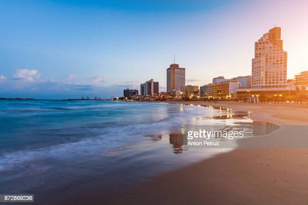 panoramic view of tel-aviv beach (mediterranean sea, israel) - tel aviv foto e immagini stock