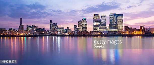 panoramic view of the canary wharf london city skyline - canary wharf stock pictures, royalty-free photos & images