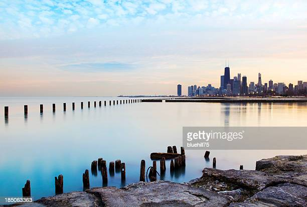panoramic view of the chicago river and skyline - chicago illinois stock pictures, royalty-free photos & images