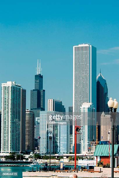 panoramic view of the city, chicago, illinois, usa - navy pier stock pictures, royalty-free photos & images