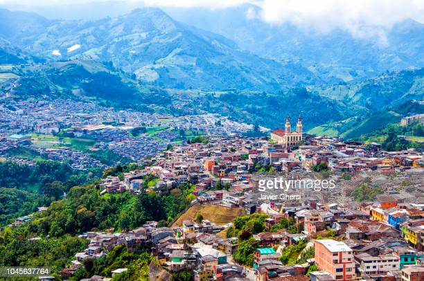 panoramic view of the city of manizales, in caldas, colombia. - colombia fotografías e imágenes de stock