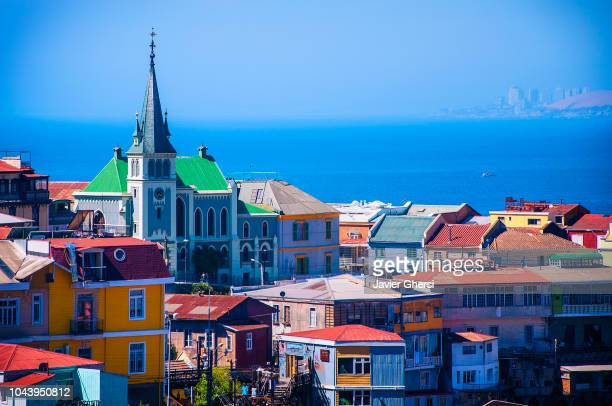 panoramic view of the city of valparaiso, chile. - chile stock-fotos und bilder