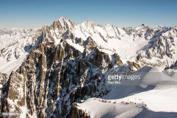 a panoramic view of the french alps, aiguille du midi 3,842 m - alta saboya fotografías e imágenes de stock