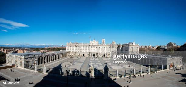 panoramic view of the main facade of the royal palace, madrid - royal cathedral stock pictures, royalty-free photos & images