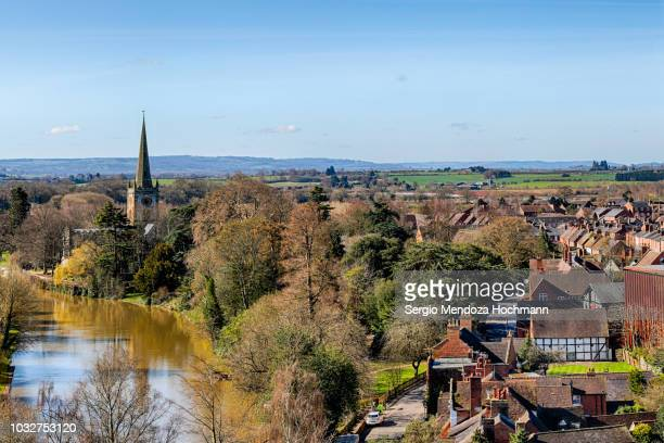 panoramic view of the river avon and stratford-upon-avon, england on a clear day - ストラトフォード・アポン・エイボン ストックフォトと画像
