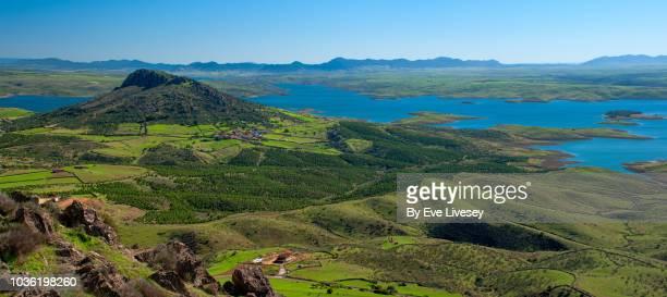 panoramic view of the siberian plain - extremadura fotografías e imágenes de stock