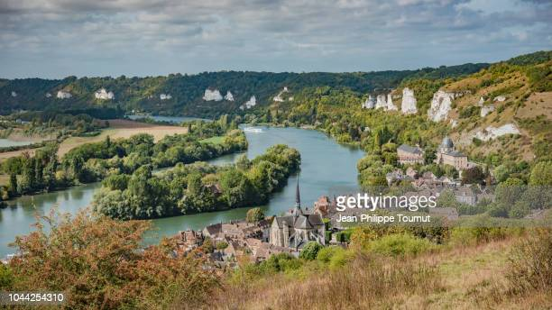 panoramic view of the valley of river seine by the town of les andelys, normandie, france - ノルマンディー ストックフォトと画像