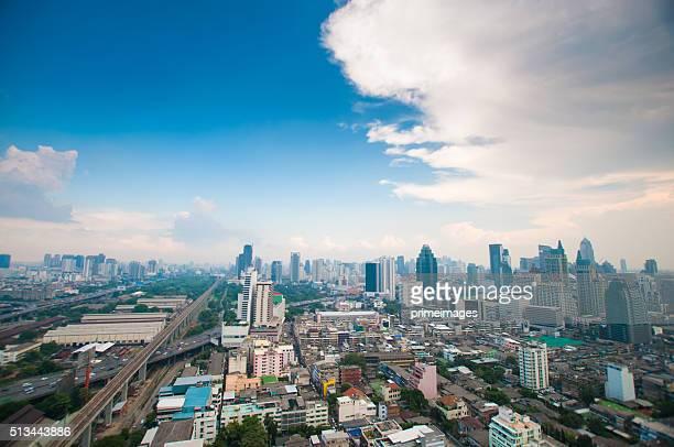 パノラマに広がる眺めをもつ都会の景観、バンコク(タイ) - シーロム ストックフォトと画像