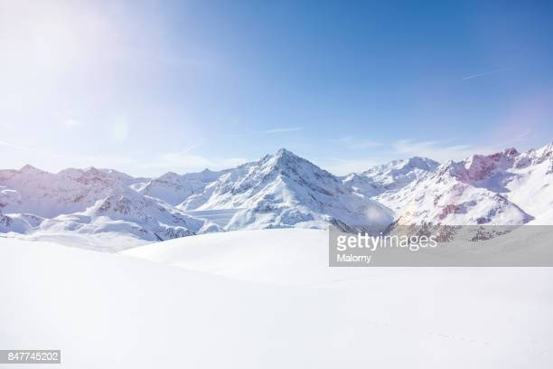 panoramic view on snow-capped mountains, kuethai, tirol, austria - berg stock-fotos und bilder