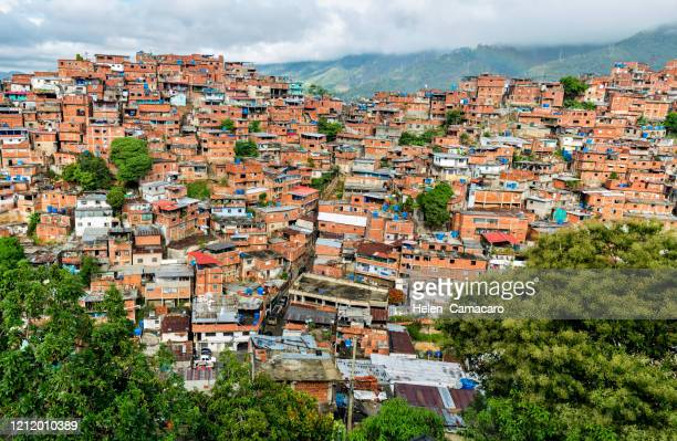 panorammic view of poverty zones in caracas, venezuela - caracas stock pictures, royalty-free photos & images