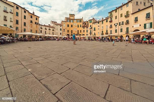 Panorma Piazza Anfiteatro lucca