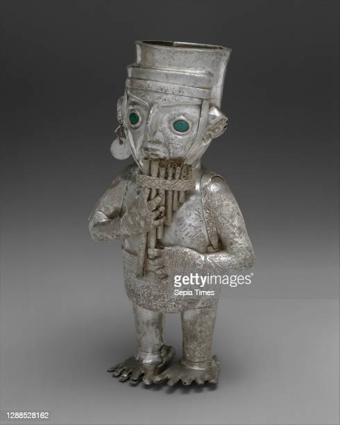 Panpiper Vessel, 14th–15th century, Peru, Chimu, Silver, malachite, H. 8 1/4 x W. 4 1/4 x D. 2 3/4 in. , Metal-Containers, Made of many separate...