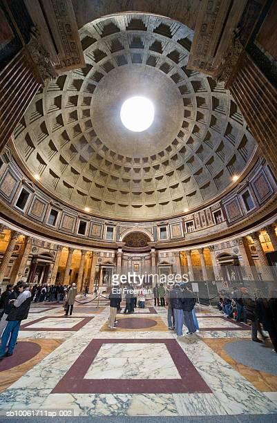 pantheon interior, low angle view - pantheon roma foto e immagini stock