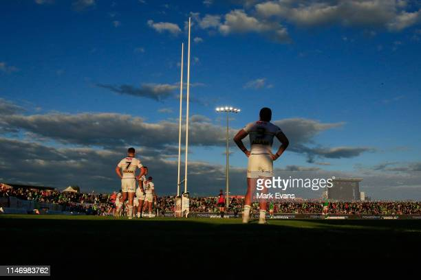 Panthers players wait for a line ball drop out during the round eight NRL match between the Canberra Raiders and the Penrith Panthers at McDonalds...