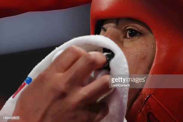 Paola Benavides de la Argentina DURANTE la semifinal del peso mosca 48 a 51 Kg en 2011 El XVI Juegos Panamericanos Guadalajara en la Arena Expo El 25...