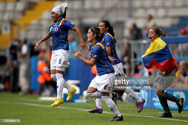 Paola Sanchez Daniela Montoya Melissa Cepeda and Alexandra Avendano of Colombia celebrate after winning the FIFA U20 Women's World Cup Quarter Final...