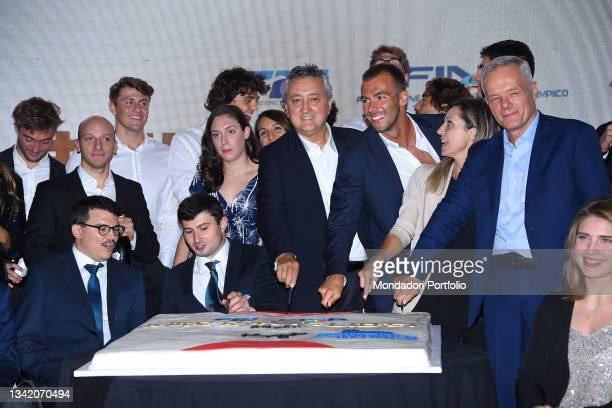 Paolo Barelli, Roberto Venuti, Gregorio Paltrinieri and Valentina Vezzali during the cutting of the cake on the blue carpet of the Gala I...