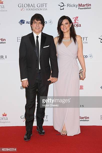 Paolo Carta and Laura Pausini attend the Global Gift Gala Mexico City at Torre Virrelles on November 12 2016 in Mexico City Mexico
