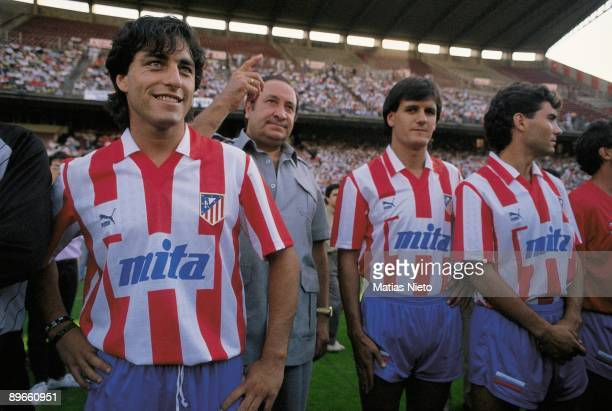 Paolo Futre next to Jesus Gil and Patxi Ferreira Presentation of the Atletico de Madrid team for the season 1989/90