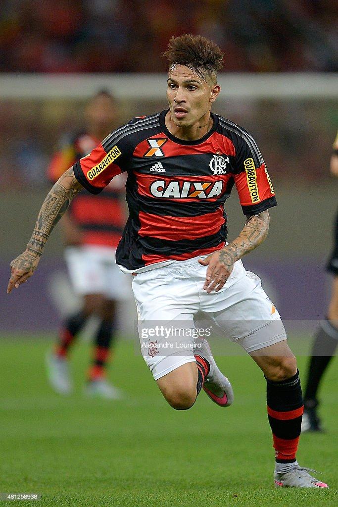 Flamengo v Gremio - Brasileirao Series A 2015 : ニュース写真