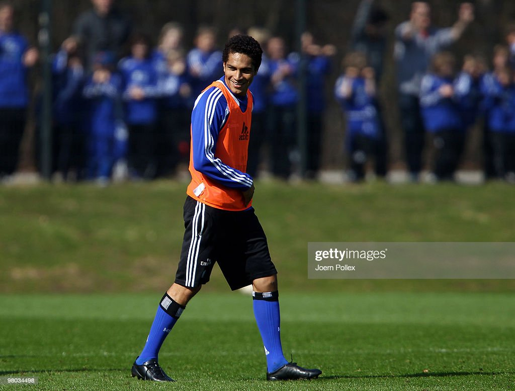 Paolo Guerrero of Hamburg looks on during the Hamburger SV training session at the HSH Nordbank Arena on March 25, 2010 in Hamburg, Germany.