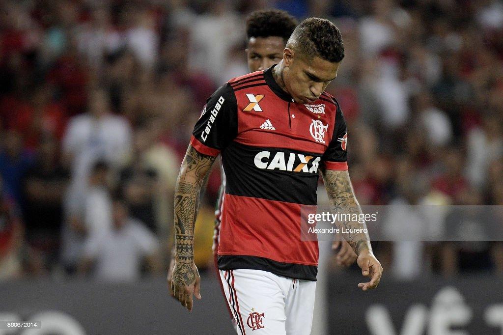Paolo Guerreroof Flamengo reacts during the match between Flamengo and Fluminense as part of Brasileirao Series A 2017 at Maracana Stadium on October 12, 2017 in Rio de Janeiro, Brazil.
