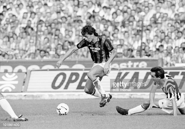 Paolo Maldini of AC Milan in action against Juventus during an Italian League match held at Stadio Comunale Vittorio Pozzo in Turin Italy on 5th...