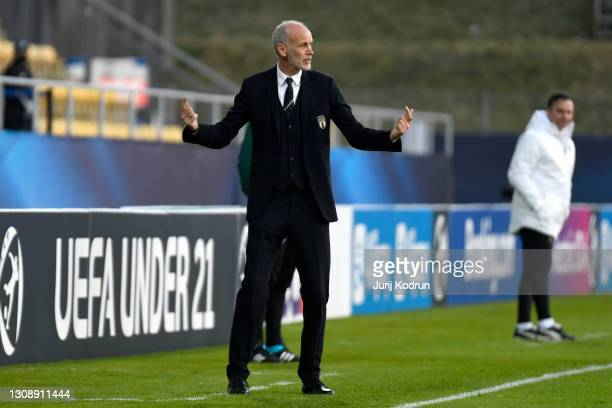 Paolo Nicolato, Head Coach of Italy reacts during the 2021 UEFA European Under-21 Championship Group B match between Czech Republic and Italy at...