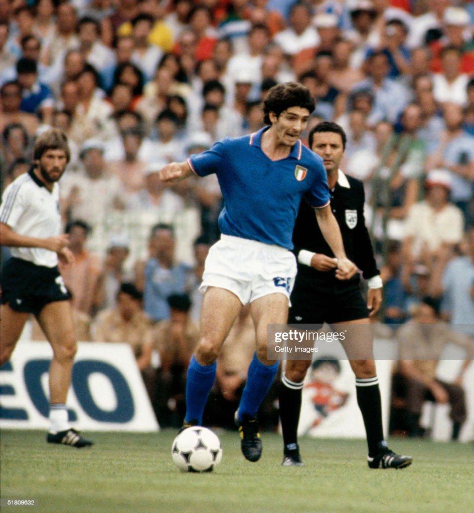 West Germany v Italy : News Photo