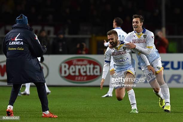 Paolo Sammarco of Frosinone Calcio celebrates a goal with team mate Davide Bertoncini during the Serie A match between Torino FC and Frosinone Calcio...