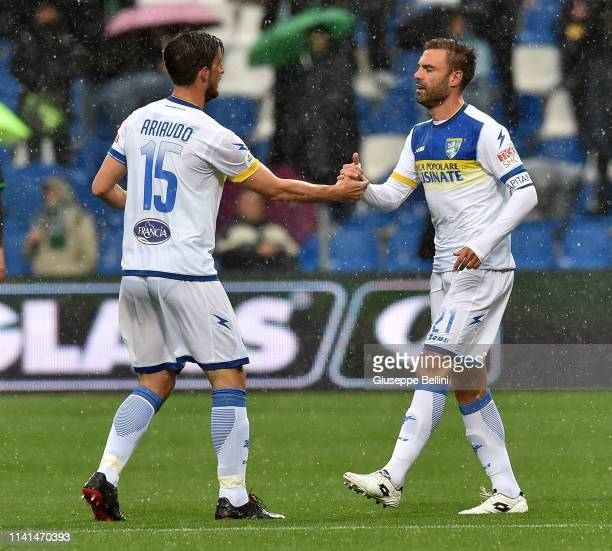 Paolo Sammarco of Frosinone Calcio celebrates after scoring the opening goal during the Serie A match between US Sassuolo and Frosinone Calcio at...