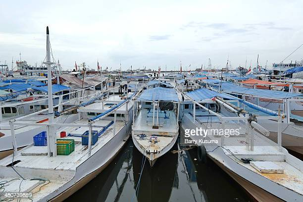 paotere traditional port - makassar stock pictures, royalty-free photos & images