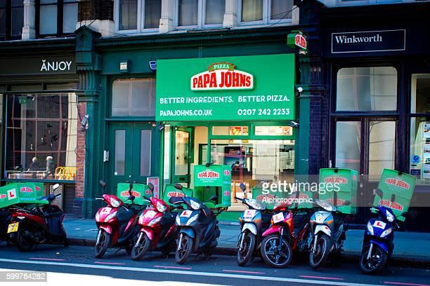 Papa Johns Pizza restaurant