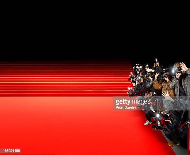paparazzi photographers along red carpet - gala stock-fotos und bilder