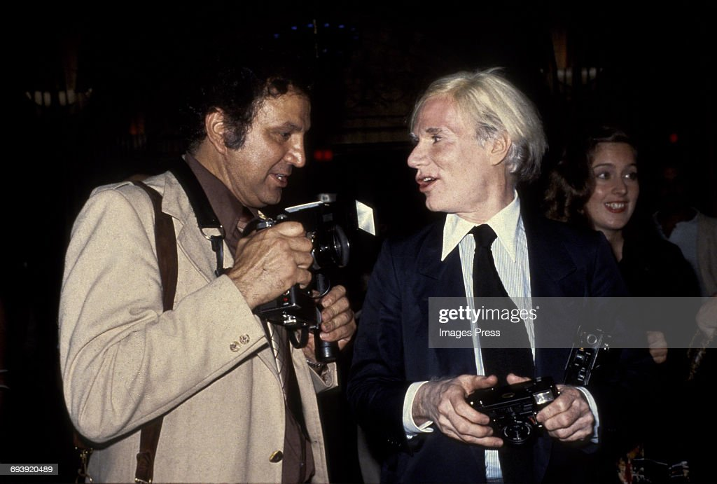 Ron Gallela and Andy Warhol : News Photo
