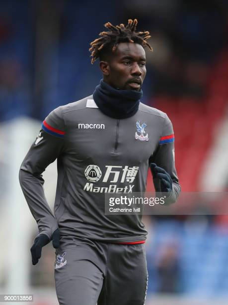 Pape Souare of Crystal Palace warms up prior to the Premier League match between Crystal Palace and Manchester City at Selhurst Park on December 31...