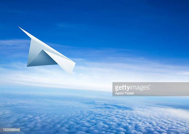paper airplane - paper airplane stock pictures, royalty-free photos & images