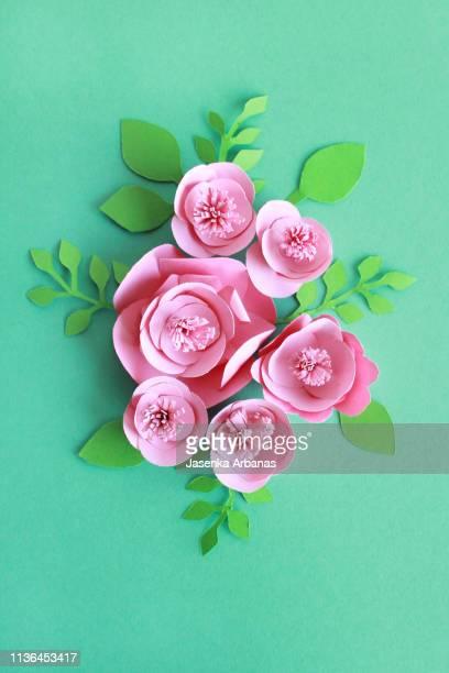 paper flowers - papierhandwerk stock-fotos und bilder