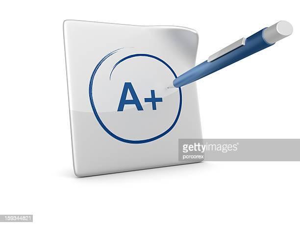 3 D Papier mit Test Ergebnis und Stift