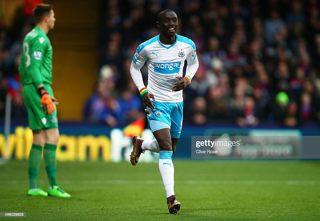 Papiss Demba Cisse of Newcastle United celebrates scoring his team's first goal during the Barclays Premier League match between Crystal Palace and Newcastle United at Selhurst Park on November 28, 2015 in London, England.