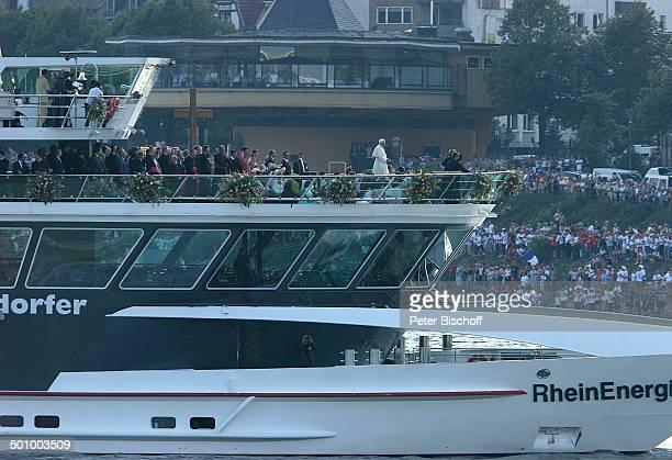 Papst Benedikt der XVI Papstschiff MS Rheinenergie Köln Deutschland PNr 1137/2005 Schiffswallfahrt Wallfahrt Deutschlandbesuch Rhein Rheinschiff...