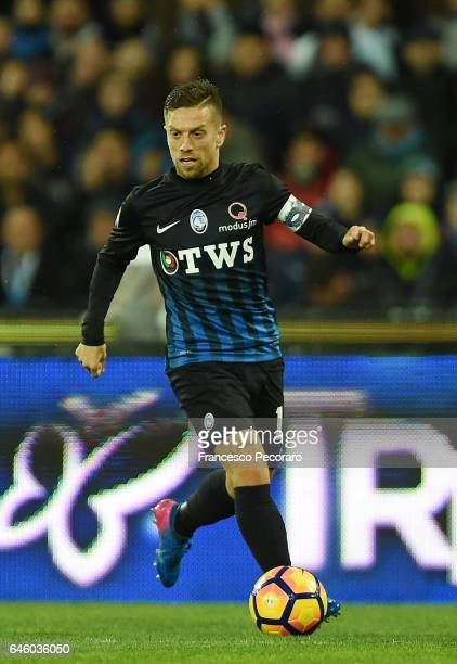 Papu Gomez of Atalanta BC in action during the Serie A match between SSC Napoli and Atalanta BC at Stadio San Paolo on February 25 2017 in Naples...