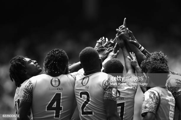 Papua New Guinea prepare for the game during the Quarter final match between France and Papua New Guinea in the 2017 HSBC Sydney Sevens at Allianz...