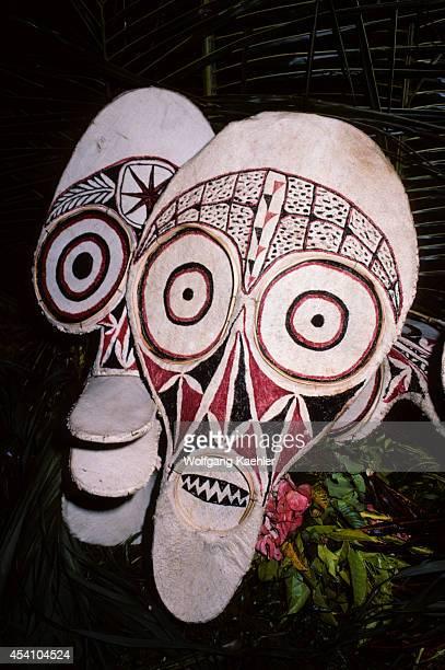 Papua New Guinea Rabaul Baining Fire Dance Spirit Masks Made From Pounded Bark