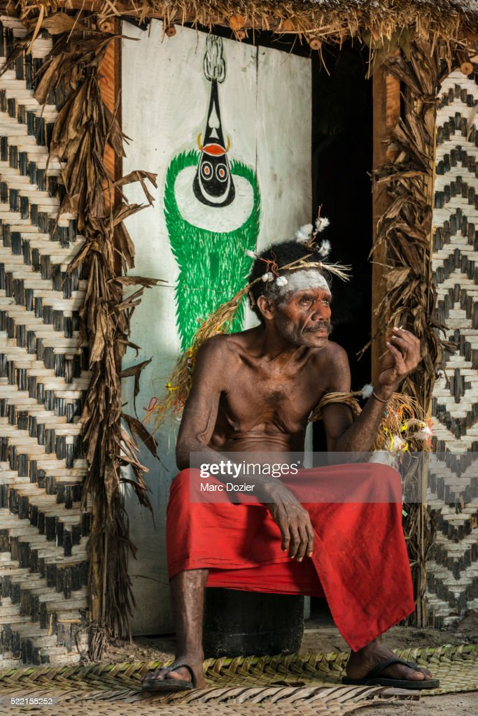 Papuan man involved in a Duk duk ceremony in the Tarayu : Stock Photo