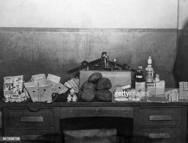 Paquets contenant différentes drogues, morphine, cocaine, hashish, aux Etats-Unis en 1934.